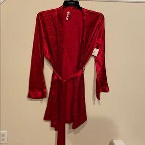 Red short robe XXL NWT